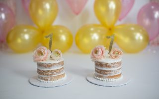 A pink and gold 1st Birthday smashcake session