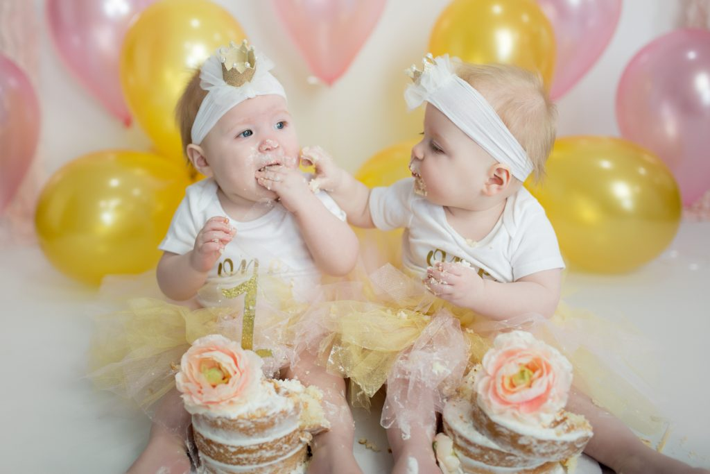 Twin first birthday photo shoot. #twinfirstbirthday #firstbirthday #photoshoot