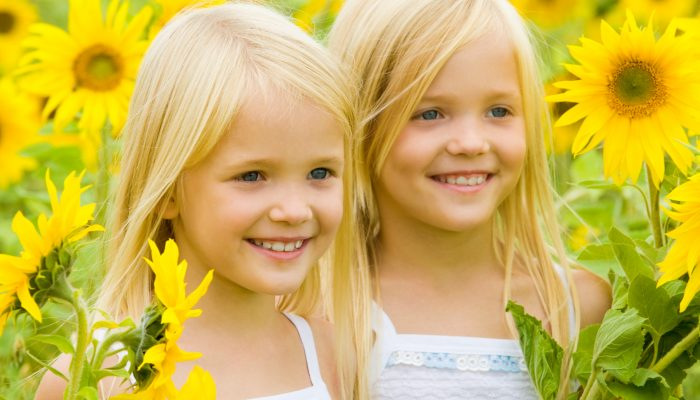 How to Have Successful Independent Playtime With Twins and Why You Should Be Doing It