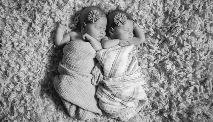 5 Tips for Maintaining a Schedule For Newborn Twins