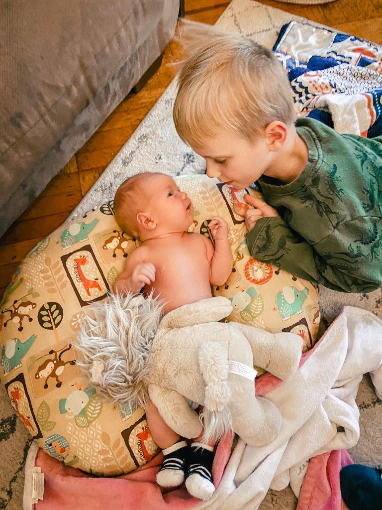 moms on call newborn schedule